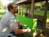 Renovace oblíbené mašinky na školní zahradě